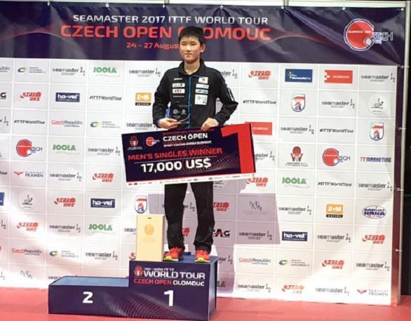 チェコオープン優勝表彰式586.jpg